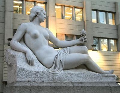 nude in barcelona 02