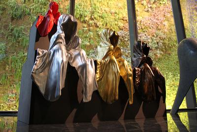museum shop design store design kooperative wien design tower vienna mini waechter time guardians light art sculpture sculptor manfred kielnhofer